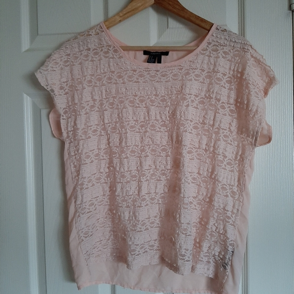3/$30- Forever 21 lace T